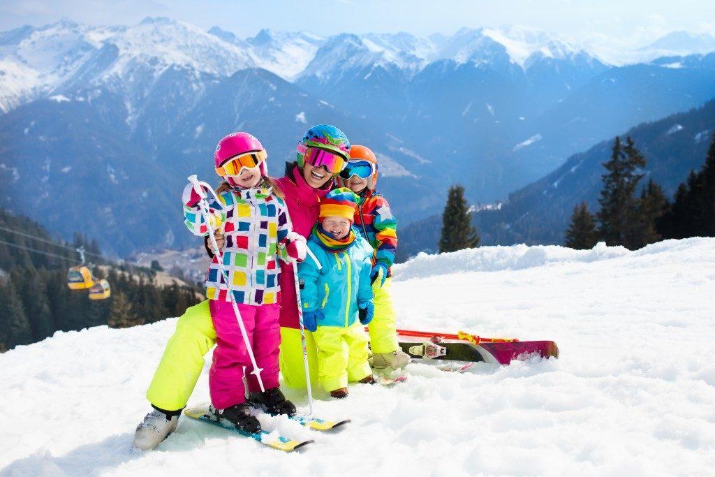 family ski bonding