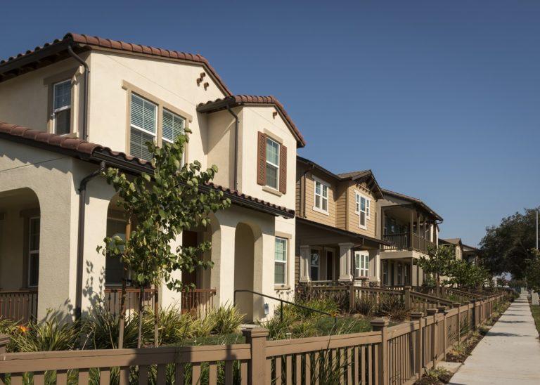 Big homes in the neighborhood