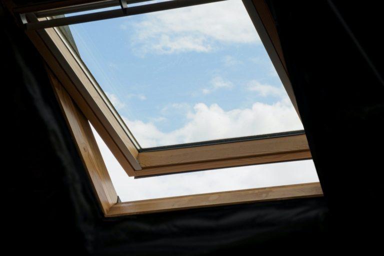 skylight ajar